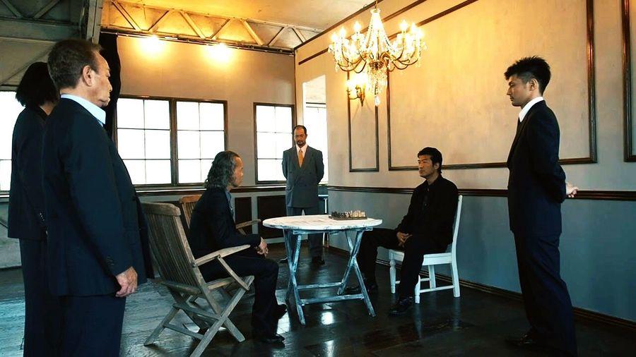 Japanese Movie Action Movie Trigger Of Boston ボストンの鉄爪 沢田トウヨウ 松田ケイジ Well-dressed Discussion Luxury Teamwork Businessman Dedication Elégance Standing