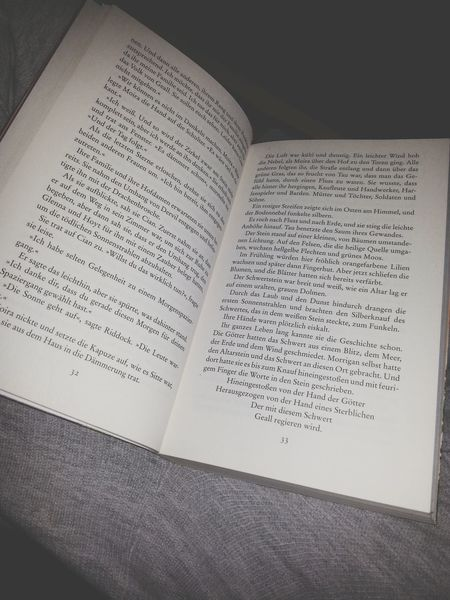 Reading A Book Schlechtes Wetter