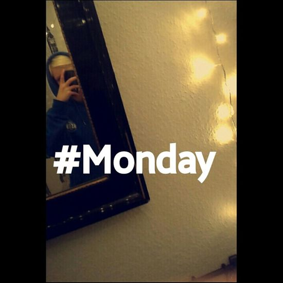 Instagram: marie.btf Monday Monday :-( MondaySelfie Hi! That's Me Check This Out Hello World Follower♥ Soccergirl ❤⚽ Taking Photos Cool Kid FollowMeOnInstagram Hello World Girl Instagramer Mirrorselfie Smile✌ Mirrormirror