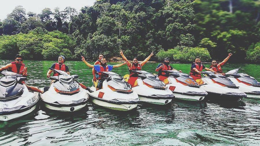 November2016 With The Gang Langkawi Island 7lads Enjoying Life Capturingthosemoments Hello World CowabungaDude IStayHighUpOnMyMind Withmycousin ClickClickClick SelfieRage Big Bang
