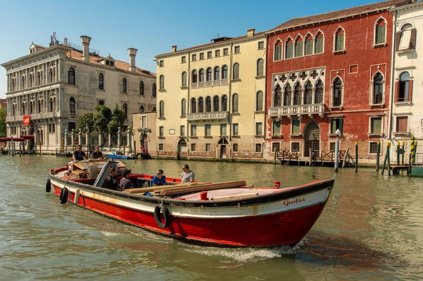 Canal Grande Venetien Venice Italy Building Exterior Nautical Vessel Architecture Water Built Structure Transportation Mode Of Transportation Waterfront Day City Incidental People Real People Group Of People Sky Canal Outdoors