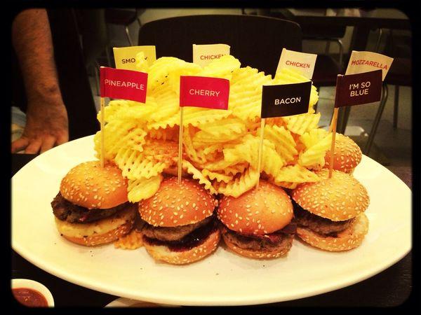 Foodporn MiniBurger Wafflefries Burgerbites Had some mini burgers last night at burgerbites. Que delicia :)