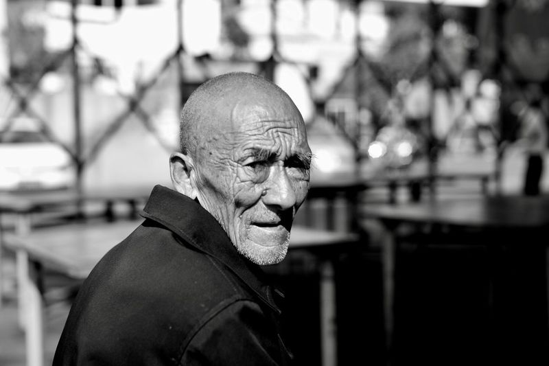time EyeEm Streetphotography EyeEm Best Shots Looking At Camera Leicacamera HuBei China Blackandwhite Leicam Oldman Capture The Moment