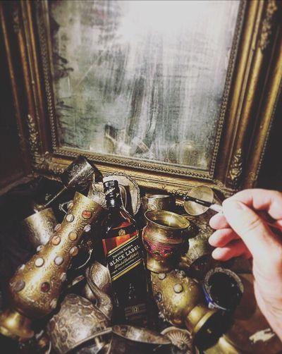Paint the Worl Black with Johnnie Walker Black Label😀🥃✍️🎩 Wearediageo Jwblackspirit Painttheworldblack johnniewalker