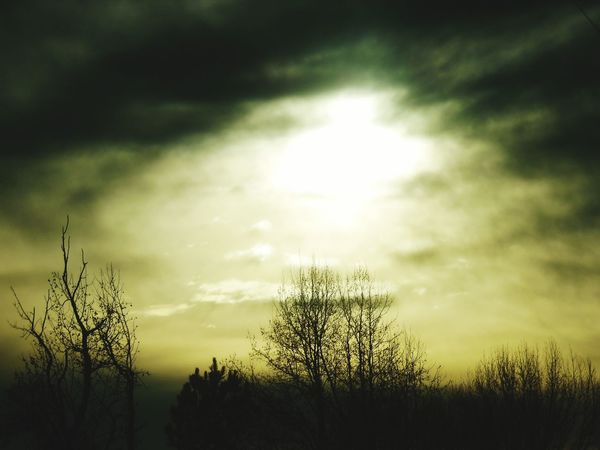 Sunset #sun #clouds #skylovers #sky #nature #beautifulinnature #naturalbeauty #photography #landscape Spooky Atmosphere