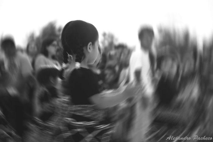 Niña Hanging Out Taking Photos Check This Out That's Me Hello World Relaxing Hi! Enjoying Life Opening Day Firsteyeempicture First Eyeem Photo Freelance Life Urban Sports FreelanceLife Openingday EyeEm Relaxing 100 Peruano Black And White Dance Marinera <3