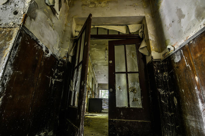 Abandoned Places Derelict Doors Lost Abandoned Abandoned Buildings Architecture Bad Condition Built Structure Corridor Damaged Day House Indoors  Lostplaces No People Old Old Ruin Run-down Weathered