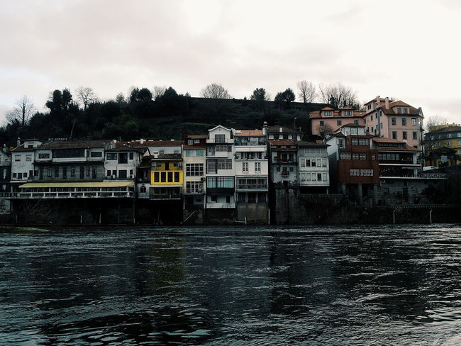 Rio Tâmega VSCO Vscogood Vscocam River Portugal Amarante Europe Travel Effects Nature World Houses Beauty Images Water Sky Photo Clouds
