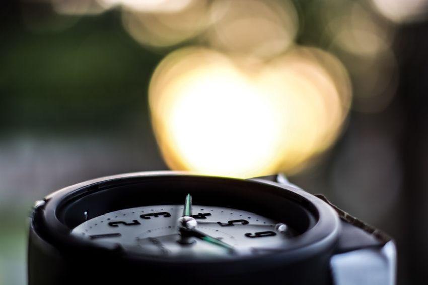Time Clock Taking Photos Light Broken Clock Broken