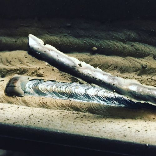 This is my new crack. Slag, just lifting off a beautiful weld. Ahhhhhhhhhhhh.... Weldporn Welding Weld Welder Welding Class Stick Welding