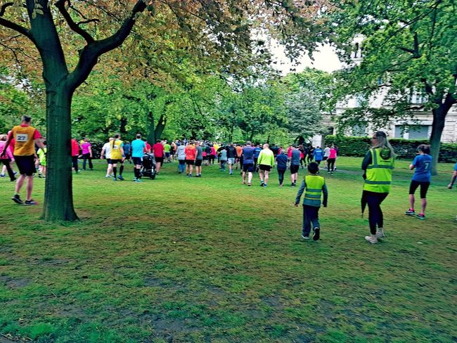 Large Group Of People Real People Parkrun Parkrun Uk Park Trees Get Ready Getting In Shape Fitness Training Runners Ready To Run Togetherness Leisure Activity Lifestyles Competition Competitive Sport Team Sport Grass Sport Outdoors Sportsman Activity Lifestyle