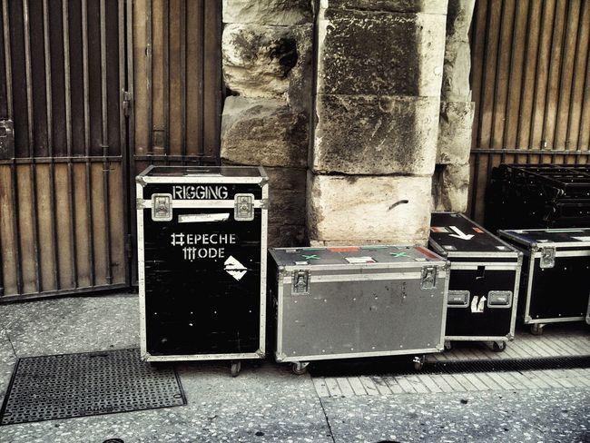 Tour RockandRoll Worldtour Rocktour Touring Show Nîmes Arena Depeche Mode Live LiveConcert Concert Backstage Load In France Box