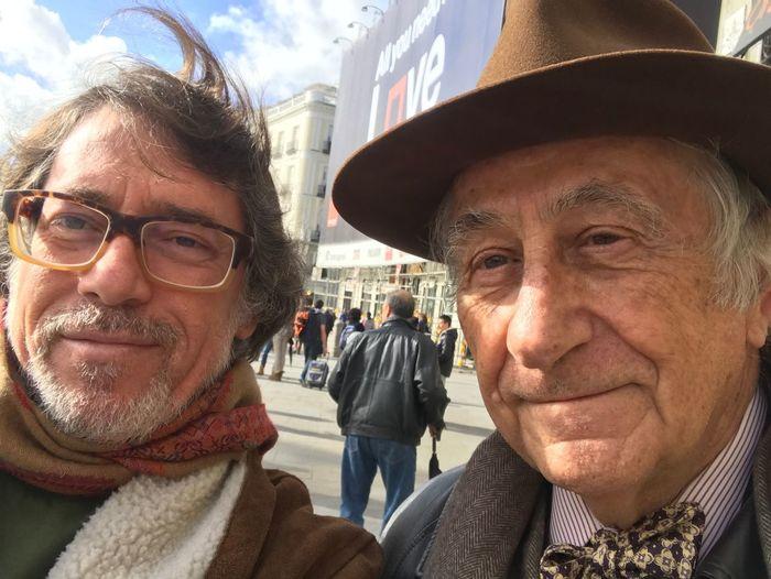 Paseando por Sol con un madridista de corazón. Puerta Del Sol Lifestyles Real People Senior Men Relaxing Taking Photos Enjoying Life City Outdoors IPhone 7 Plus Selfie ✌ That's Me
