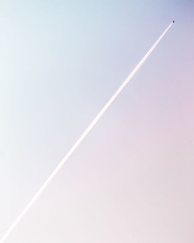 Diagonal Flying High Plane Travel Air Vehicle Beauty In Nature Cloud - Sky Flight Flying Geometric Shape Gradiented Sky Jet Lines And Shapes Low Angle View Minimalism Minimalobsession Pastel Scenics - Nature Simplicity Sky Sky_collection Speed Transportation Travel Vapor Trail The Traveler - 2018 EyeEm Awards The Great Outdoors - 2018 EyeEm Awards