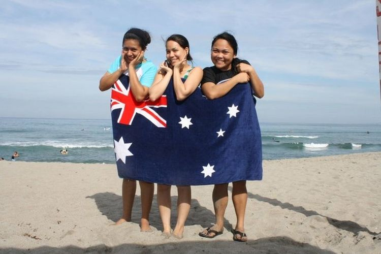 THESE Are My Friends us pretending to be at Surfers Paradise Australia!😝