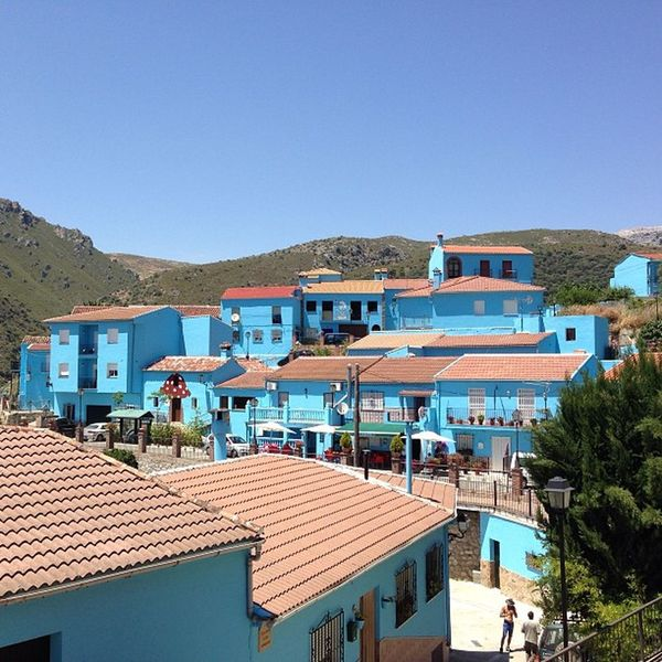 Le village des schtroumpfs, Smurf Village Espagne Vacances Visite IPhone Iphonographie Picoftheday Juzcar