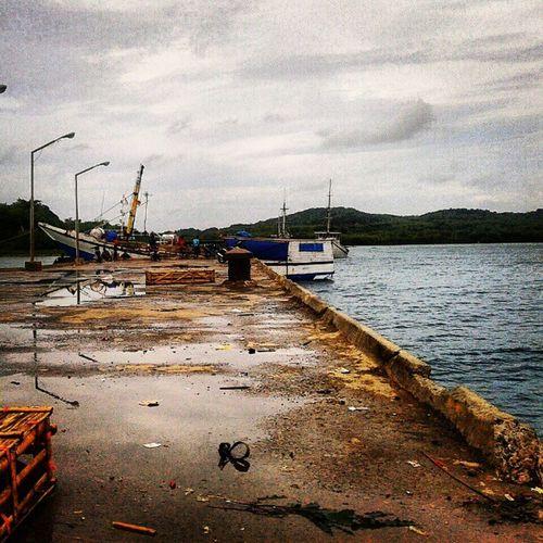 Tak terawat atau sengaja 'tidak' dirawat.. @pulaukangean Siapa yang peduli? Atau sibuk mengumpulkan 'upeti'. Sumenep Jawatimur Instagram INDONESIA Iphonesia Instaphoto PhotoOfTheDay Harbor Pier