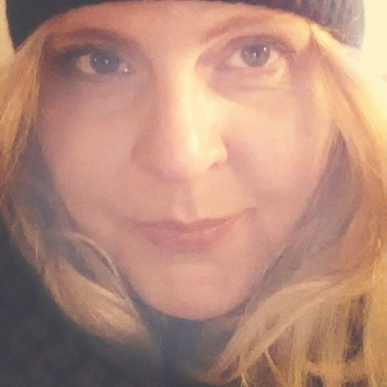 Busy day, but I love this time a year ♡ Coldout Winter Chrismastime Christmasspirit me selfshot selfietime selfie bblogger beautyblogger cominghome bestoftheday 41yearsold ofcoursewithfilter