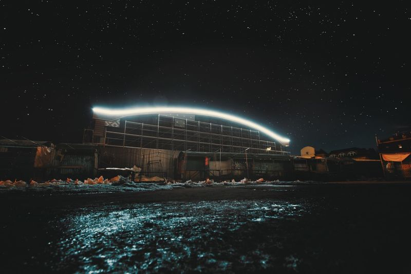 Звёздное небо Night Building Exterior Architecture City Illuminated Built Structure Nature Sky Water Real People Star - Space Outdoors Light - Natural Phenomenon Dark Glowing Waterfront Space Astronomy Skyscraper