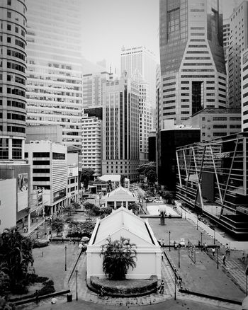 """Buildings. Buildings. And more buildings."" Amfotografi Blackandwhite City Buildings Samsung Galaxy Note II"