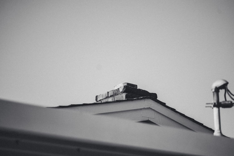 Exterior Home Roof Black Minimal