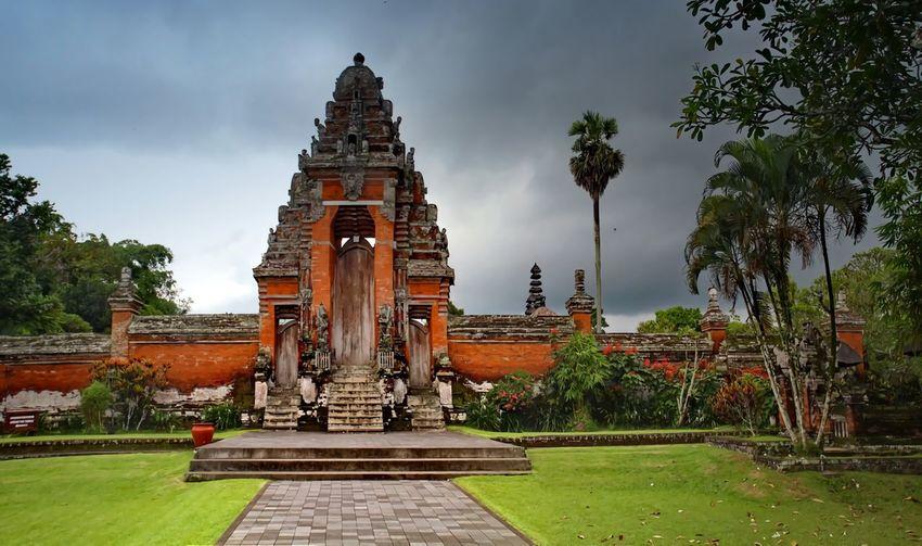 Taman Ayun Temple Afternoon Balinese Prayer Puratamanayun Religion Temple Tourism Travel Destinations First Eyeem Photo