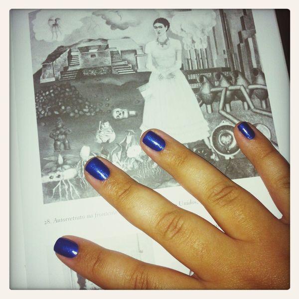 Nails Frida Kahlo Blue