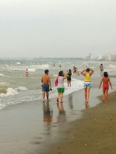 Going The Distance Freedom Beach Wind Challenge Walking Running People Summer Durres Sommergefühle