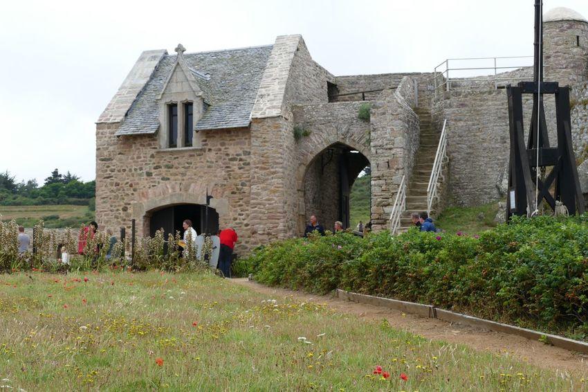 Architecture Built Structure Drawbridge  Castle Travel Destinations Fort La Latte Brittany France History Fortification Fort Medieval Fortress Military Trebuchet Ancient Architecture Building Exterior