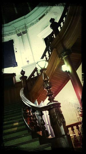 中央ホールは撮影可。 Library Stair Architecture OSAKA