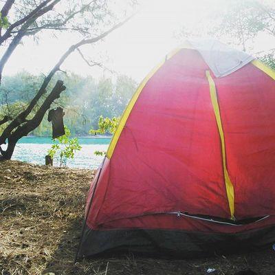 Sekali-sekali nge'camp di 2 Mdpl 😅 Pinggir pantai guy's... Pulauair KepulauanSeribu Camping Pantai TripPulau Pulaupramuka Indonesian Indotravellers Adventuretime Proudofindonesia