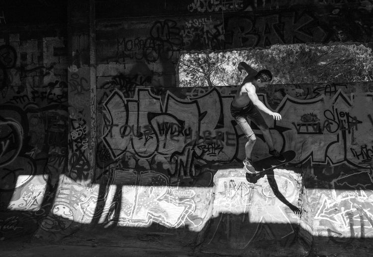 """ Stripes of light "" Skateboarding Urban Getting Inspired Shootermag Eye4photography  EyeEm Best Shots Cityscapes Blackandwhite Light And Shadow"