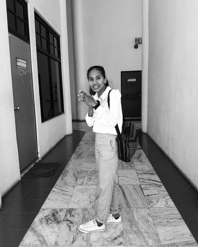 Escritora Timorense - minha Irmã One Person Full Length Standing Indoors  Childhood People Day Portrait Adult Writter Escritorafavorita Iphonegraphy Photooftheday TIMORLESTE MyPhotography Photos Around You Fotografia Justgoshot EyeEmNewHere Blackandwhite Blackandwhitephotography Noirlovers Noiretblancphotographie Monochrome Monochrome _ Collection