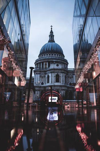 Architecture Building Exterior Reflection Dome City Travel Destinations Stpauls Church London