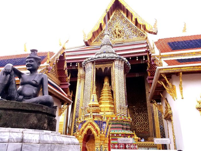 The Migrating Moose Golden Gold Colored Bangkok Thailand Temple Golden Temple Great Temple Buddhism Buddha Statue Religion Place Of Worship Sky Architecture Building Exterior Built Structure Buddha Traditional Building Ancient Civilization Historic Archaeology Sculpture Statue Ancient Civilization History