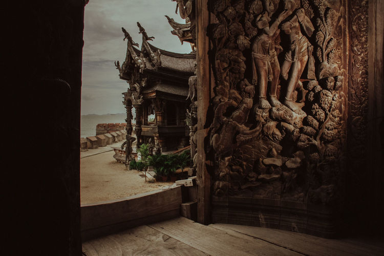 ประตูไม้บ้านไทย Thai House Thailand Architecture And Art Religion Thai Culture Wood - Material Wooden House