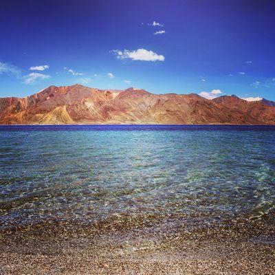 The beautiful Pangong lake at Ladakh Ladakh Beautiful Nature Beautifulindia Pangonglake Himalayas