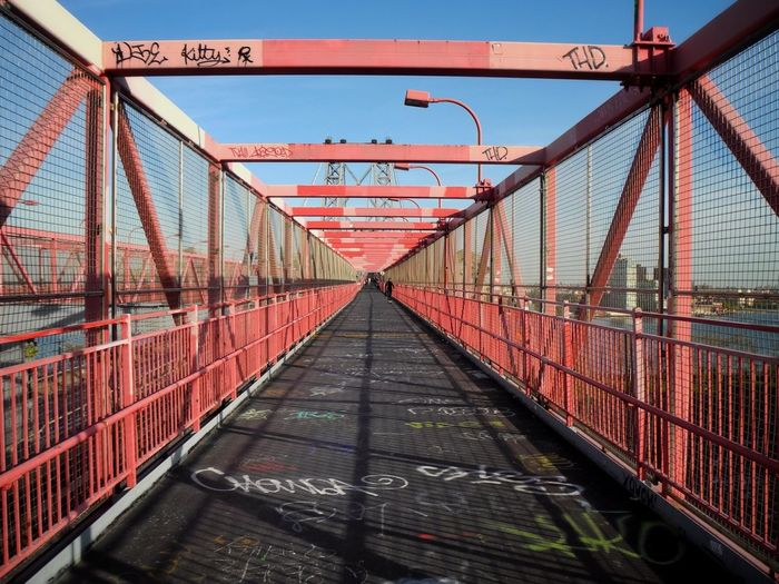 Williamsburg bridge against clear sky in city