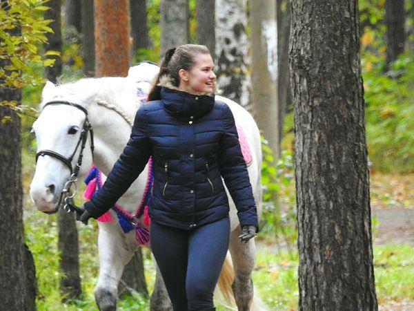 Horse Girl Power White Color Lifestyles Autumn🍁🍁🍁 Park Colors Of Sankt-Peterburg Sankt-Petersburg Russia