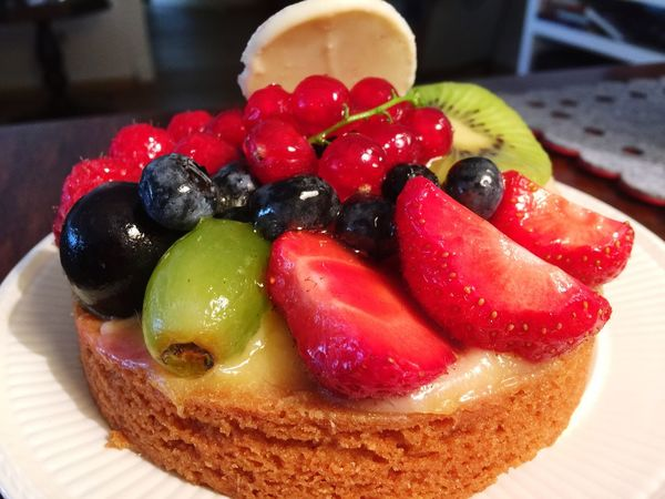 Fruit tart taste so good but lots of calories Fruits Fruits Lover Fruit Photography
