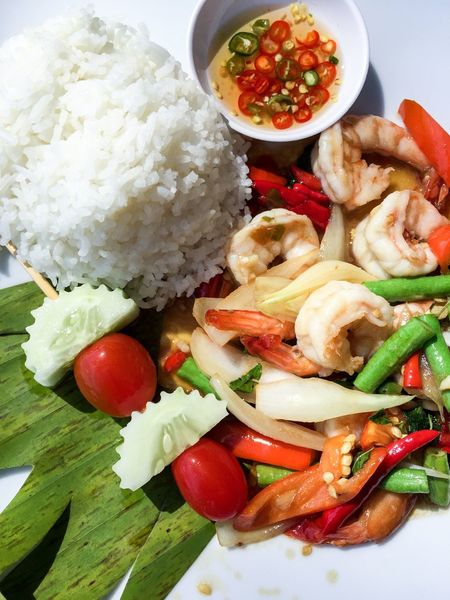 Spicy Thai Food Spicy Food Thai Food Thai Thailand Food And Drink Vegetable Food Ready-to-eat Rice - Food Staple Healthy Eating Freshness Plate No People Cucumber Tomato Serving Size Meal Indoors  Fried Rice Close-up Day