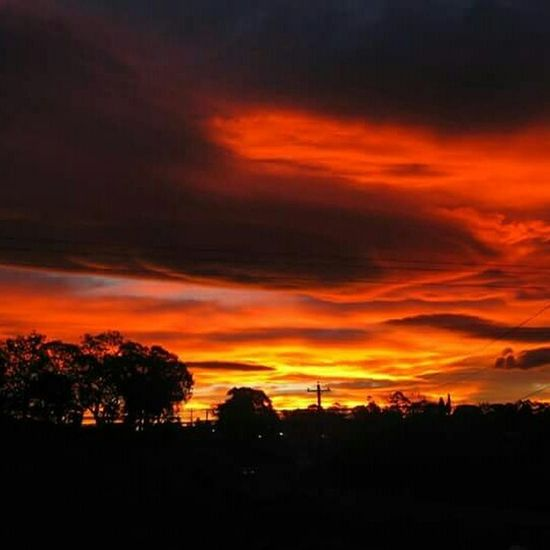 Taking Photos Enjoying Life EyeEm Best Shots Check This Out Hello World Sunset And Clouds  Fireinthesky Skyonfire Red RedClouds  Sunsets Sunset_collection Ladyphotographerofthemonth Turn Your Lights Down Low Nordic Light Goodnightlastnightstwilight Lastnightstwilight🌅