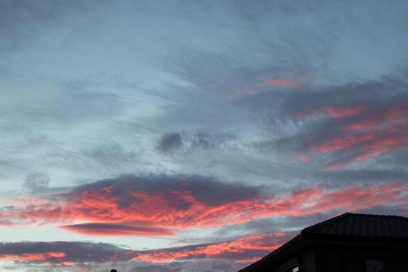 雲 Sky