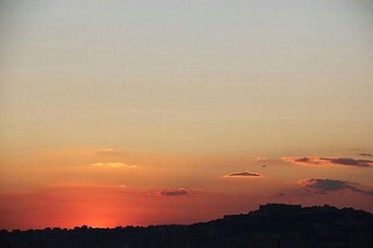 Sunset Sunset Sky Scenics Tranquil Scene Perendim Bellaitalia  Sky And Clouds Tramonto bellissimo Tramonto Bellissimo Tramonti_italiani sunset #sun #clouds #skylovers #sky #nature #beautifulinnature #naturalbeauty photography landscape