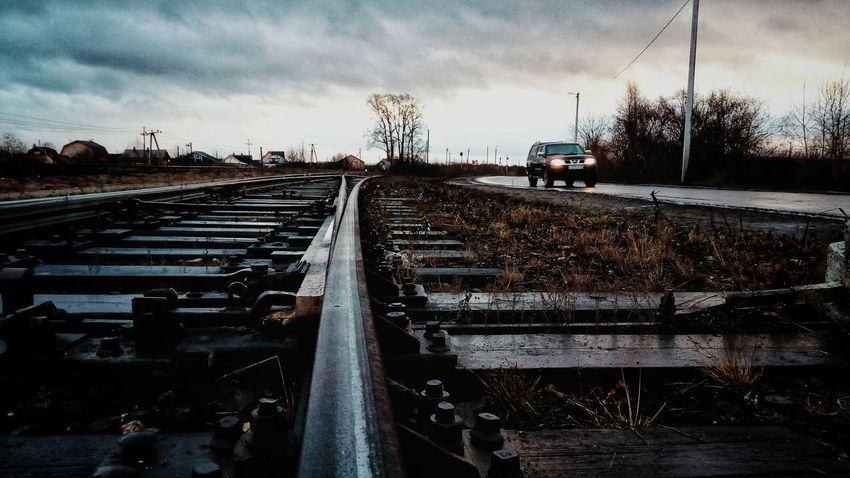 Рельсы Машина Transportation Railroad Track Mode Of Transport Cloud - Sky Sky Land Vehicle Outdoors No People Day High Angle View Adults Only Transportation утки Close-up EyeEmNewHere Frozen Freshness Connected By Travel Sunset One Woman Only капельки Only Women красиво Fragility