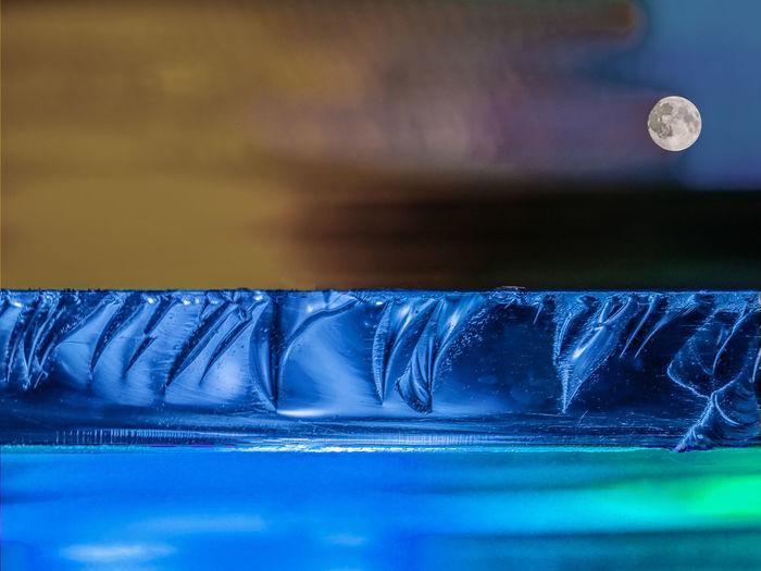 Glas, Farbspielerei, Lightpainting, Abstrakt, Lichtmalerei, Farbenspiel, Close-up, Nahaufnahme, Macro Moon, Virtual Landscape, Seaside, Seeside Blue Close-up Indoors  Landscape, Artistic, Ice-shelf, Virtual Landscape Moon Nature No People Glasscheibe Fiktive Landschaft The Creative - 2018 EyeEm Awards