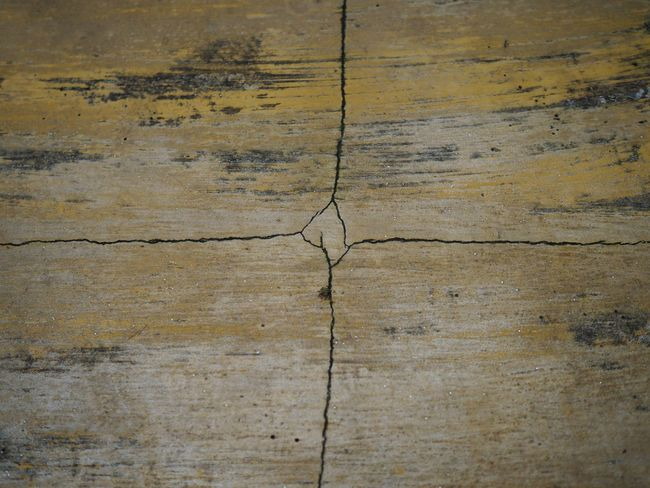 Table Floor Rupture Defective Broken Concrete Backgrounds Full Frame Textured  Pattern No People Close-up Cracked