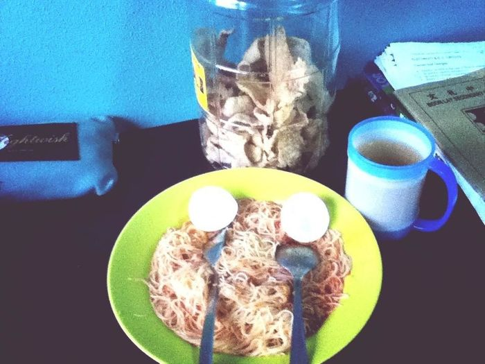 Mee siam and fish crackers with tea for lunch!