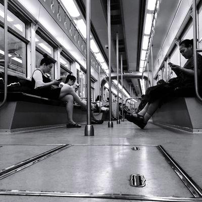 文艺重庆 | 043 Iphone6plus Real People Group Of People Indoors  Lifestyles Women Men Transportation