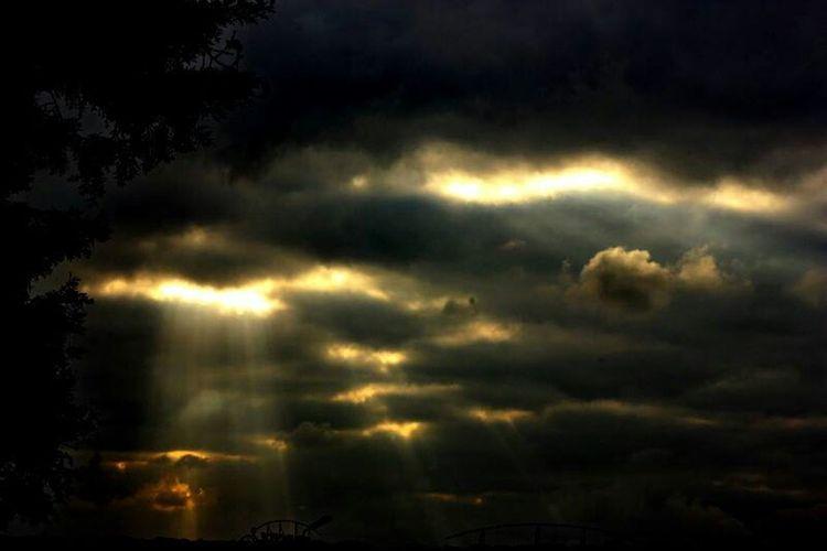 Sunisout Sky Storm Clouds Stormyday Streetphotography Sun Eyem Gallery Eyemphotography Hdr Edit Popular Photos